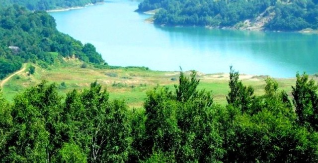 lacul maneciu
