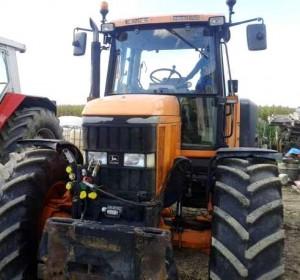 Vand-tractor-John-Deere-6810