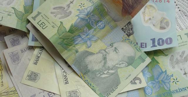 Persoanele care realizează venituri din chirii ar putea plăti, de la 1 ianuarie 2014, contribuţii de asigurări sociale de sănătate în limita a de cinci ori câştigul salarial mediu brut, potrivit unui proiect de ordonanţă de urgenţă publicat de Ministerul Finanţelor Publice.