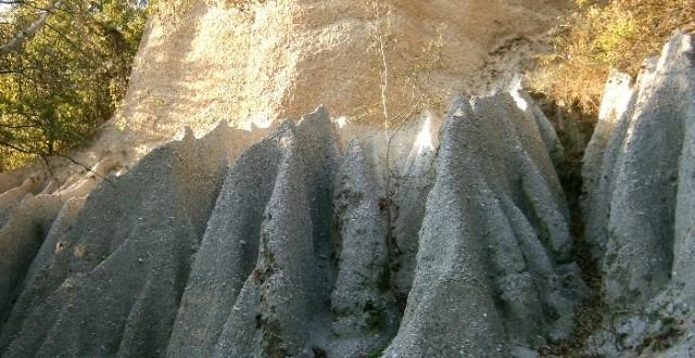 piramide-pamant-goranu