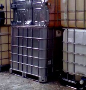 bazine-plastic-cadru-metalic