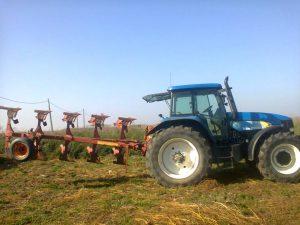 tractor-plug
