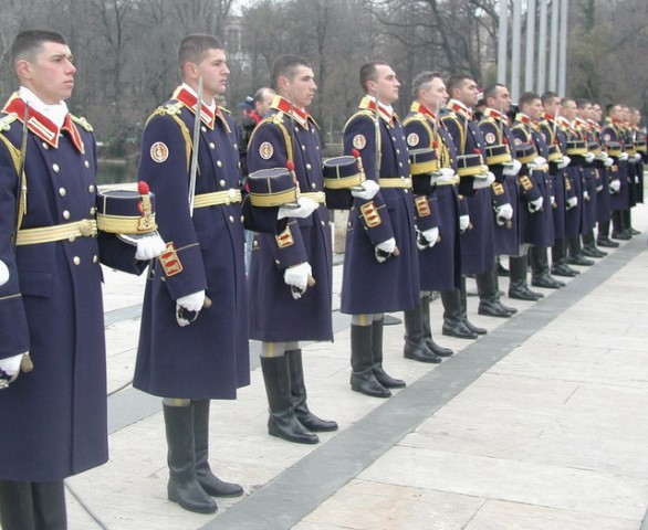 Ceremonial_militar_si_religios_la_Mormantul_Ostasului_Necunoscut